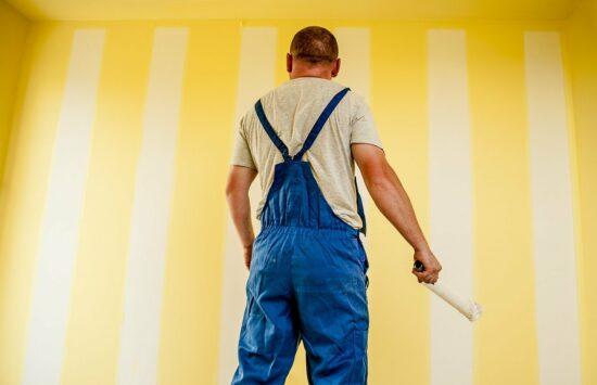 Farby ceramiczne – rozwiązanie problemu brudnych ścian